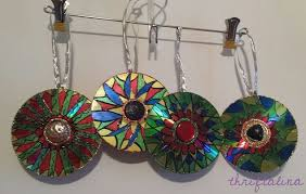 upcycled cd ornaments easy diy project for last minute gifts