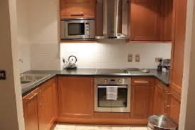 cuisine au lave vaisselle cuisine avec lave vaisselle lave linge frigo congel micro onde