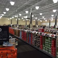 designer shoe outlet dsw designer shoe warehouse 15 photos shoe stores 3638