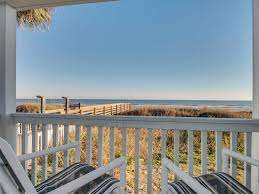 Three Story Building 2bd 2ba Comfortably Furnished Condo In An Oceanfront Three Story