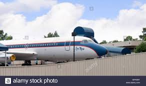 elvis plane elvis plane at graceland a mansion in memphis tennessee and was