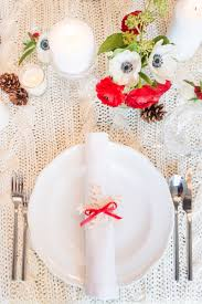 Table Setting Pictures by 35 Diy Christmas Table Decorations And Settings Centerpieces