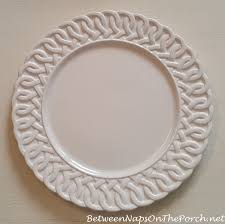 Table Setting Chargers - 17 charger plate ideas for your next dinner party