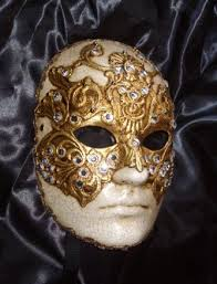 the prop den wide shut mask