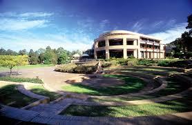 Wollongong Beach House - university of wollongong partnership ifsa butler