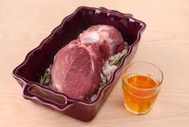 cuisiner la palette de porc une palette moelleuse dans un jus tout en douceur leporc com