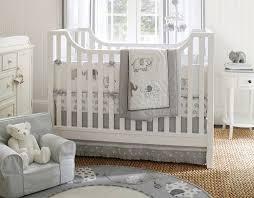 déco chambre bébé gris et blanc chambre enfant idée déco chambre bébé gris clair motifs éléphants