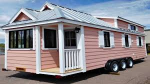Tiny House On Wheels Country Style Corner Porch Sweeping Bay - Tiny home design