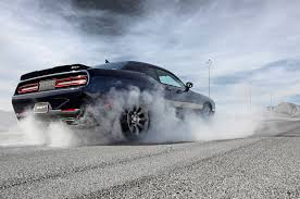 charger hellcat burnout 2015 dodge challenger srt hemi hellcat burnout american muscle