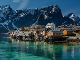 lofoten islands summer photography vacation norway helping
