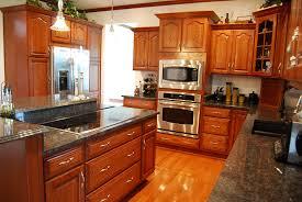 maple wood grey raised door kraft maid kitchen cabinets backsplash