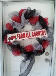 farmall country wreath i made to sell at ih tractor show