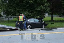 2 car accident on forestburgh road in front of ichud bungalow