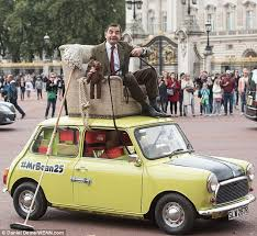 Mr Bean Thanksgiving Mr Bean At Buckingham Palace On His Green Mini To Celebrate Show U0027s