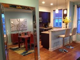 beale 3 blocks luxury townhome 3beds sle vrbo 7 tall mirror beside kitchen shows off the dining room