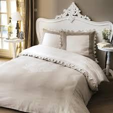 copriletti romantici come arredare la da letto in stile shabby chic grazia
