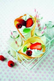 livre larousse cuisine cornets de fruits à la chantilly livre 1001 idées pour inviter
