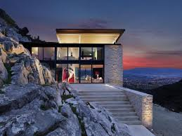 Mountain House Designs Hydraulic Roof Opens And Closes At Will In This First Of A Kind House