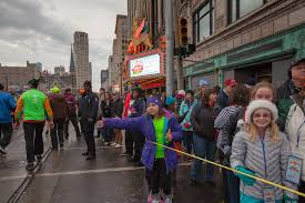 26 photos of the annual turkey trot in downtown detroit