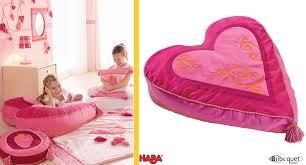 pouf chambre enfant pouf pia haba poufs chambre d enfant et décoration