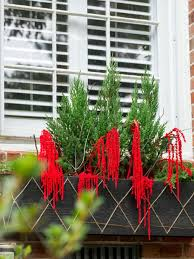 Hgtv Christmas Decorating by 15 Diy Outdoor Holiday Decorating Ideas Hgtv U0027s Decorating