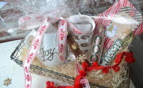 hot chocolate gift basket how to make a christmas gift hot cocoa kit hometalk
