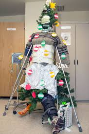 25 hospital christmas decorations that show medical staff are the