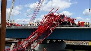 four injured in crane collapse on tappan zee bridge ny daily news