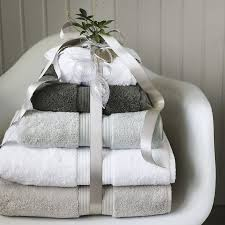 Bathroom Towels Ideas Best 20 White Towels Ideas On Pinterest Bathroom Towels Guest