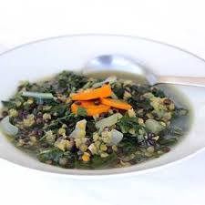 cuisiner des feuilles de blettes soupe aux deux lentilles et feuilles de blettes