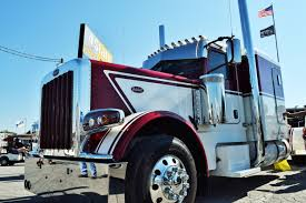 peterbilt video more on the 2017 peterbilt 389 flattop of candice cooley u0027s