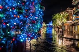a guide to christmas at disneyland 2016 the bucket list narratives