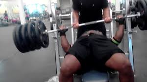 guy misses bench press rack and drops weight jukin media