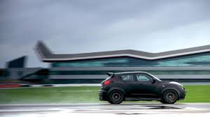 nissan crossover juke first nissan juke r delivered videos