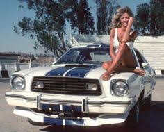just a who knows a thing or two about cars pin up