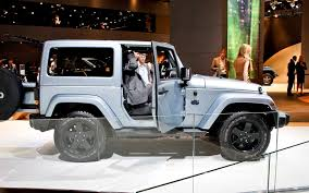 beach jeep wrangler icy cool 2012 jeep wrangler arctic edition launches in europe