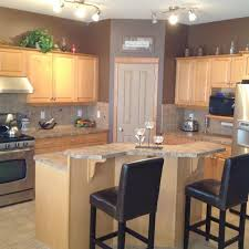 kitchen ideas with maple cabinets kitchen wall colors with maple cabinets home design ideas