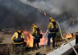 Wildfire La Area by La Tuna Fire 100 Percent Contained Lafd Says U2013 Daily News