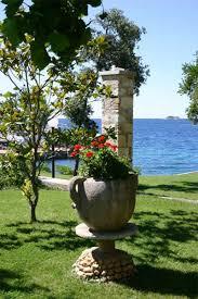 roman style garden decor ideas garden pinterest greek decor