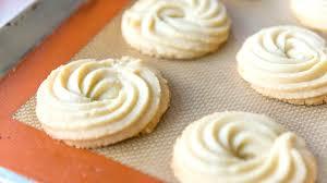 lovely butter swirl shortbread cookies