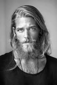 surfer hairstyles surfer hair for men 50 beach inspired men s hairstyles