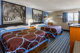 Comfort Suites Coralville Ia Hotel Iowa City Coralville Ia Booking Com
