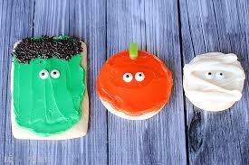 Halloween Pumpkin Sugar Cookies - 30 crafty days of halloween pumpkin mummy frankenstein sugar