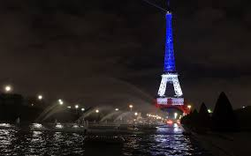 French Flag Eiffel Tower In Photos World Monuments Light Up In Solidarity With Paris Fabweb