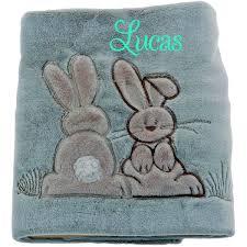 fauteuil bebe avec prenom plaid couverture polaire bébé garçon motif lapin brodé et
