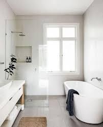 Minimalist Bathtub 40 Minimalist Bathroom Remodel Ideas On A Budget Homearchite Com