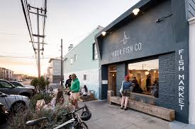 review hook fish has an outer sunset scene and tacos to match