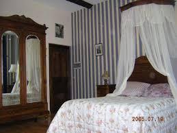 chambre d hote louis ciel de lit louis xv familiale terrasse chambre d hôtes à salles