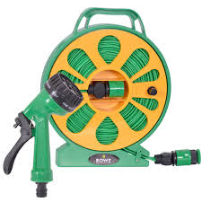 hozelock 15m wall mounted hose reel lay flat garden hose with 7 function spray gun 15m 50ft