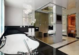 badezimmer mit sauna und whirlpool moderne möbel und dekoration ideen kleines luxus badezimmer weis